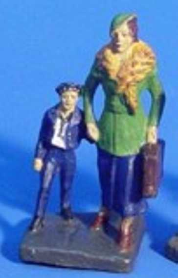 hausser elastolin 6643 railway toy figure woman with child, woman bears a costume with a bag, comes in