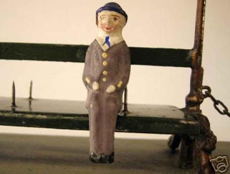 maerklin spielzeug eisenbahn figur herr im anzug mit hut als steckfigur