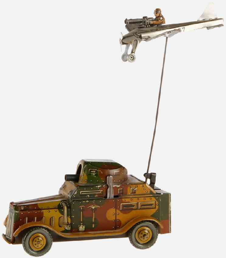 arnold 578 panzerwagen blech tarnfarben uhrwerk flugzeug maschinengewehr