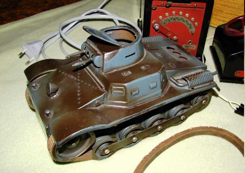 electric military toy car remote-controlled, electrical tank (of company tippco), shee