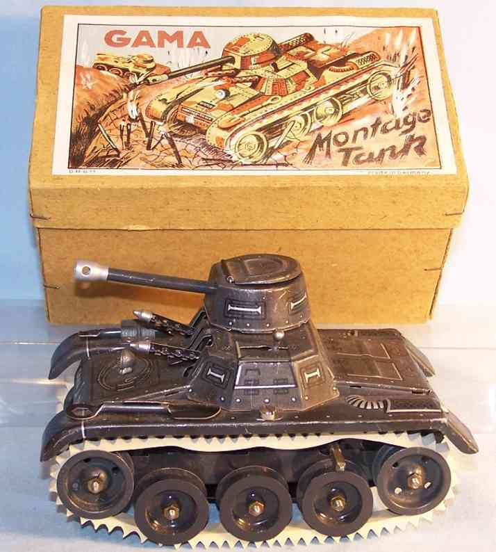 gama 65 military toy car tank made of tin with rubber tracks and clockwork
