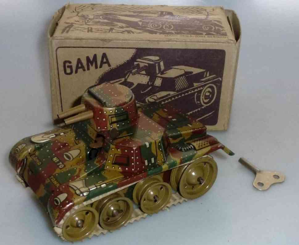 gama 70 military toy car tin tank with chain drive and clockwork