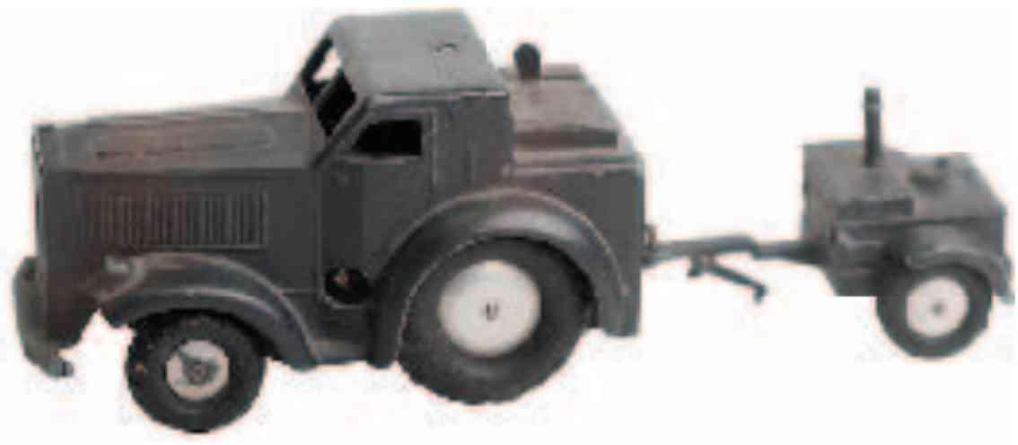 marklin maerklin 5522/81 8021/55 military toy car tractor clockwork and field kitchen
