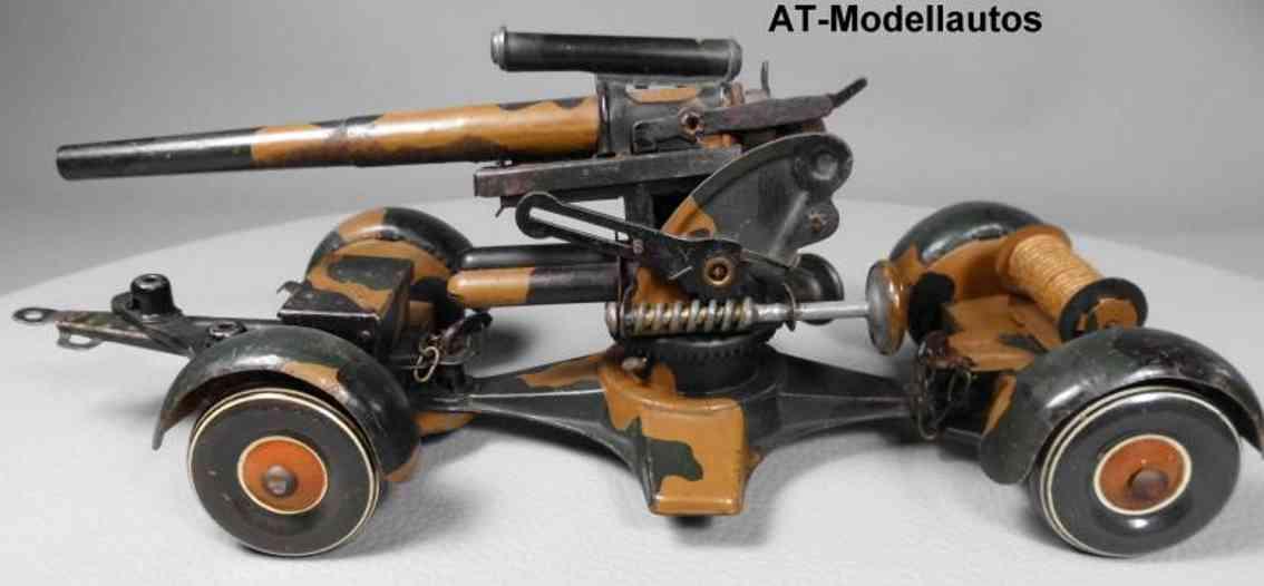 Tippco 240 Flakgeschütz mit Fahrgestell zum Schießen
