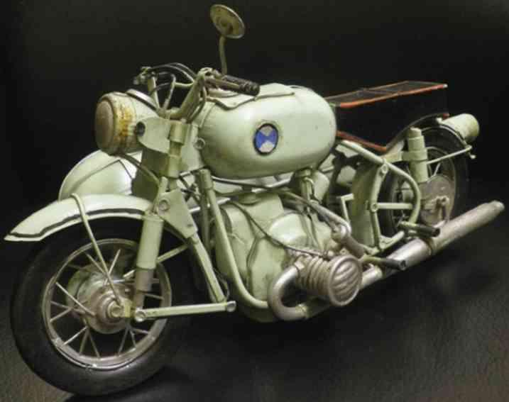 Motorrad mit Beiwagen hergestellt in der Tschechoslowakei