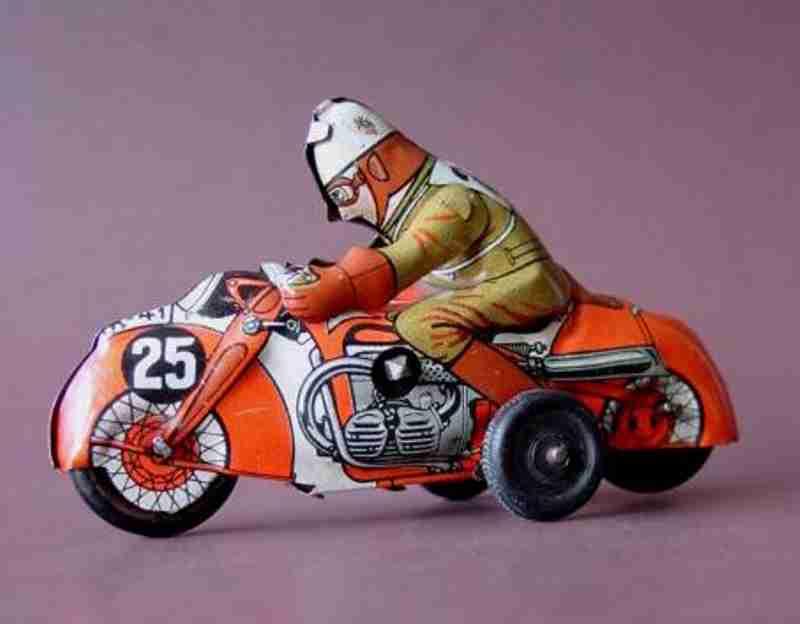 Huki Kienberger Penny Toy Motorradfahrer