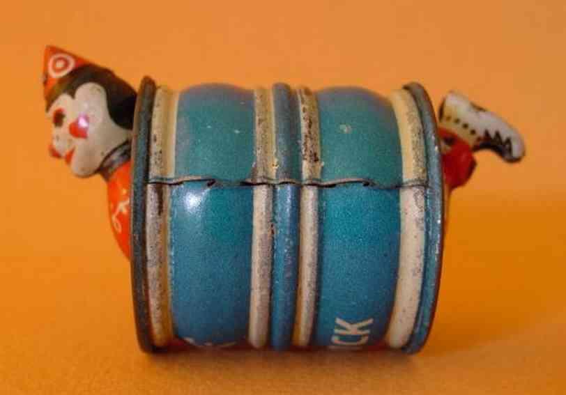 stock walter 150 blech  penny toy clown im fass mittel blau weiss