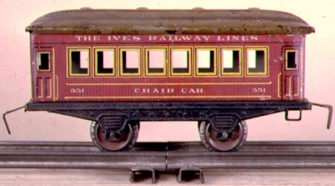 ives 551 (1915) railway toy passenger car passenger car; 2-axis, wooden scibing lithographed, roof wit
