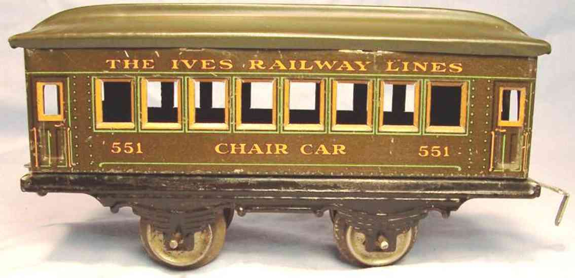 ives 551 (1916) railway toy passenger car passenger car; 2-axis, steel style lithographed with rivets,