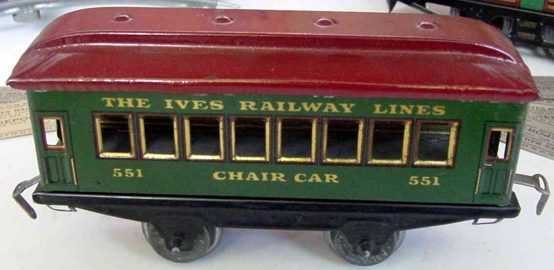 ives 551 (1926) railway toy passenger car passenger car; 2-axis, green lithographed without rivets, re