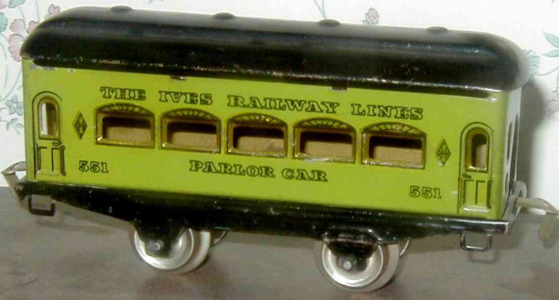ives 551 (1929) railway toy passenger car passenger car; 2-axis, green lithographed without rivets, bl
