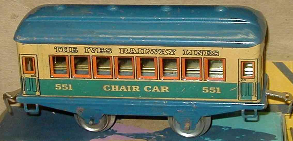 ives 551 (1930) railway toy passenger car passenger car; 2-axis, lithographed without rivets,  with 4