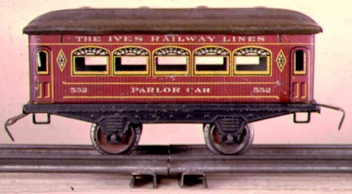 ives 552 (1915) railway toy passenger car passenger car; 2-axis, wooden scibing lithographed, roof wit