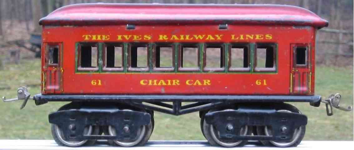 ives 61 (1925) Chair railway toy passenger car passenger car; 4-axis red lithographed without rivets, nicke