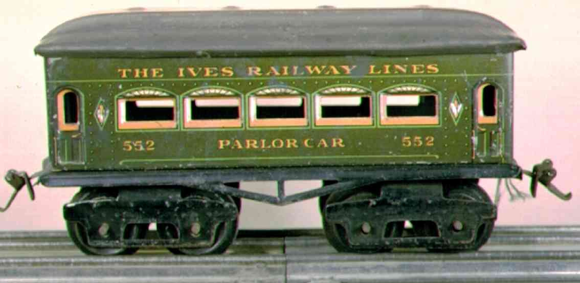 ives 62 (1920) Parlor railway toy passenger car passenger car; 4-axis, green lithographed with rivets, black