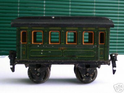 maerklin 1892/0 spielzeug eisenbahn  gepaeckwagen gruen spur 0