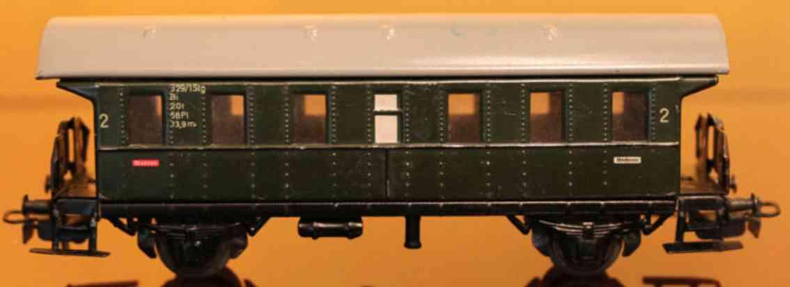 maerklin 329/1-4 4002-4 spielzeug eisenbahn personenwagen gruen spur h0