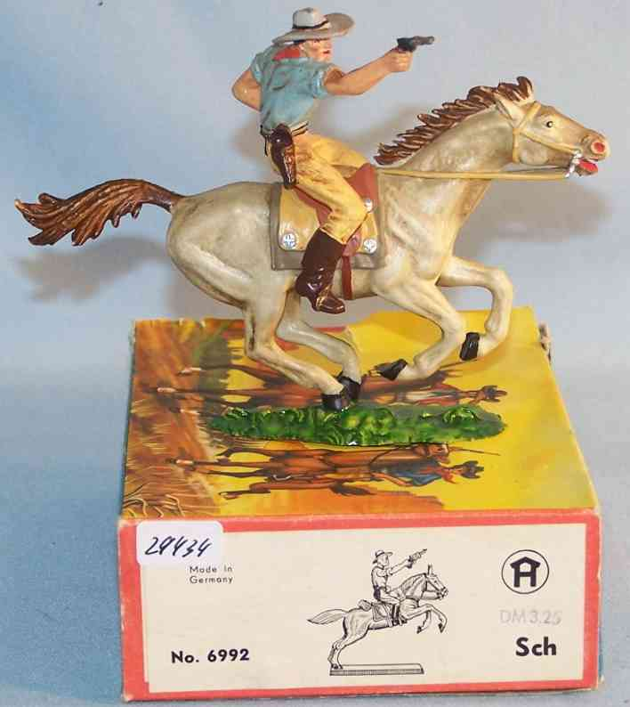 Hausser Elastolin 6992 Scale 1:25 Cowboy with gun and horse