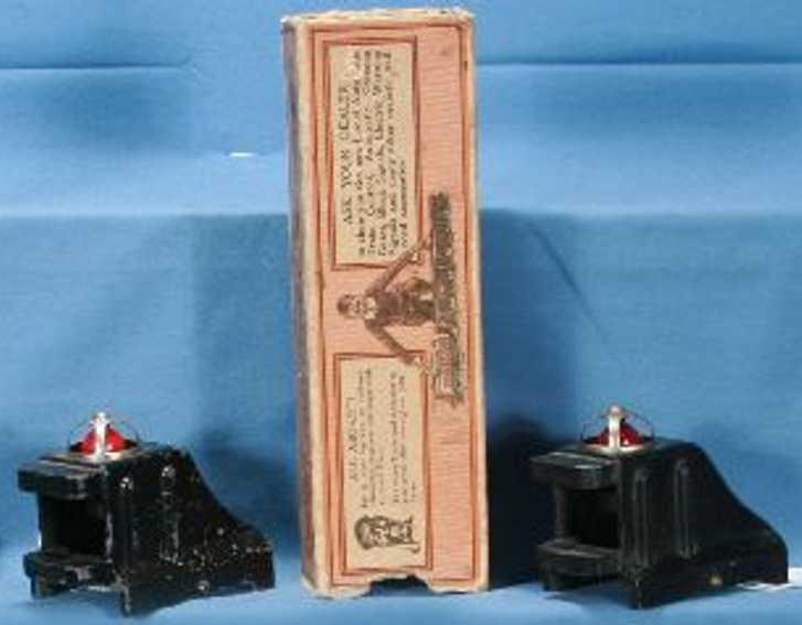 Lionel 25/II Puffer aus Gusseisen in schwarz