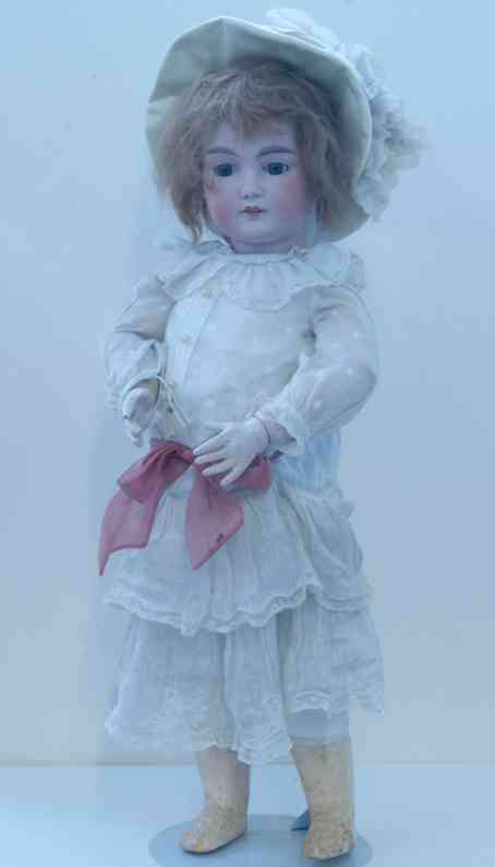 marseille armand a12m  porcelain crank head doll