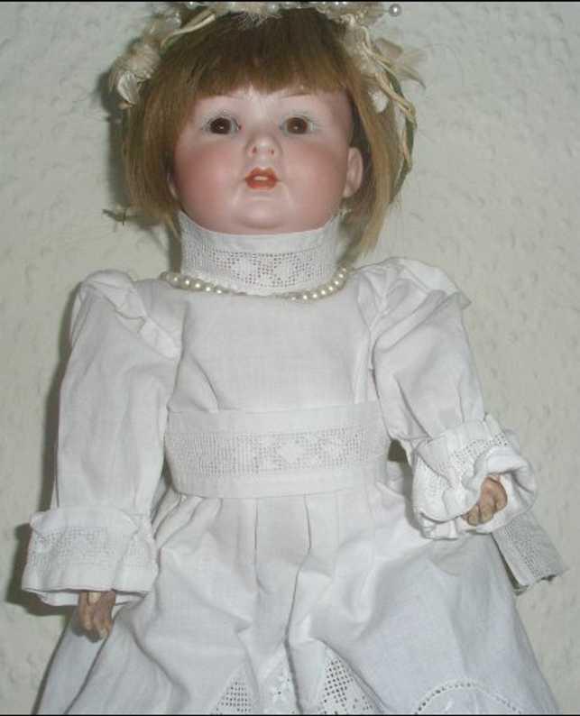 Bahr & Proeschild 585 0 Porcelain doll