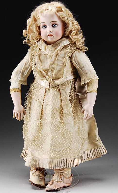 Bru, Jne & Cie 9 Brue bebe doll