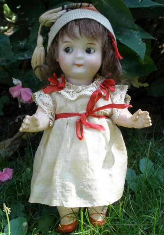 heubach ernst koppelsdorf 9573 6 dolls porcelain head doll; googly with brown glass sleep eyes and