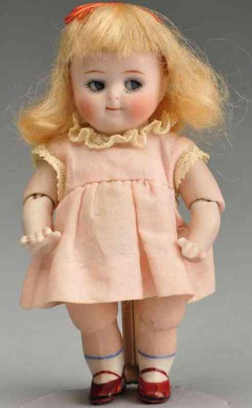 Kestner J. D. 111 Puppe Googly komplett aus Porzellan