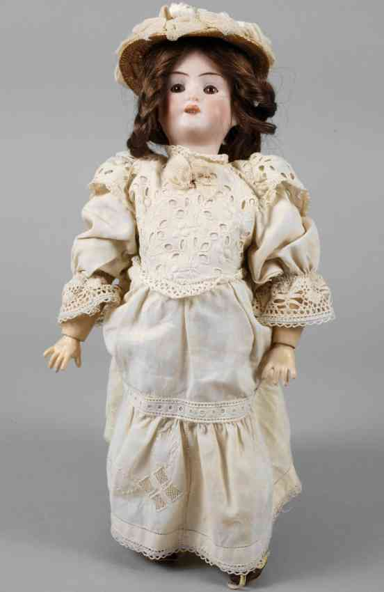 recknagel theodor 1909 dep r 7/0 a  porcelain socket  head doll