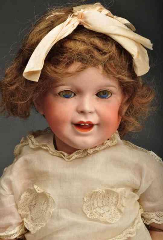 SFBJ 23610 Kleinkind-Puppe