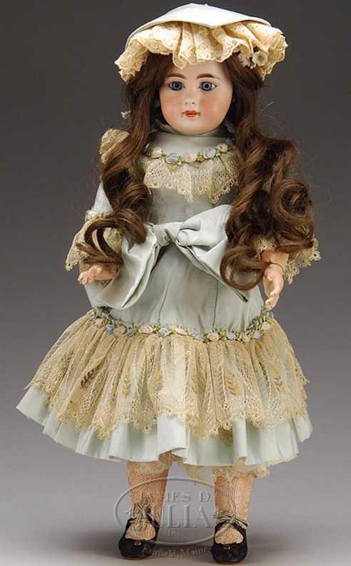 Simon & Halbig 7 939 Child socket head bisque doll
