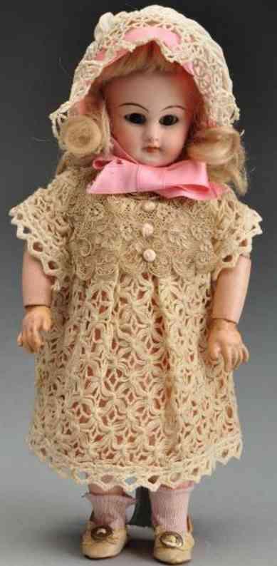 Simon & Halbig 749 Dep 3/0 Bisque socket head doll