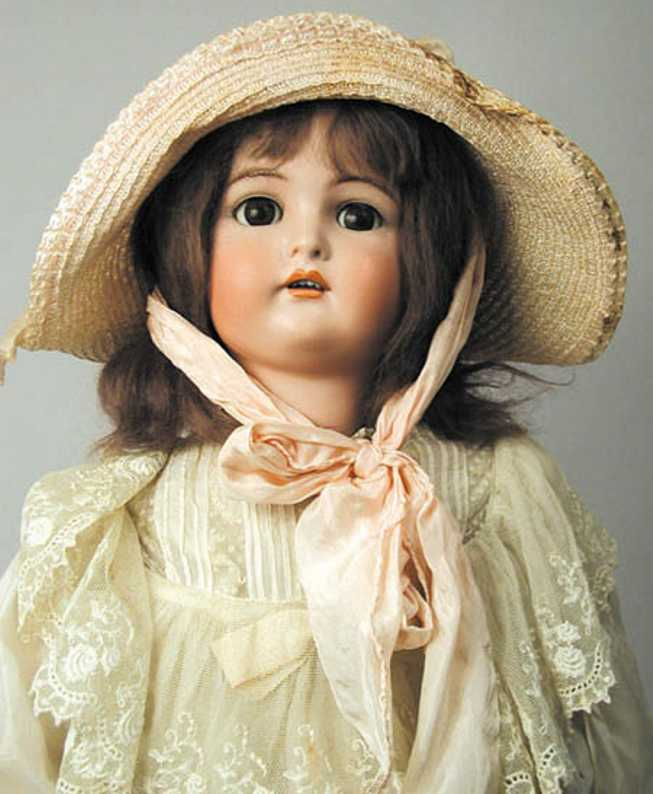 Simon & Halbig 8 O Bisque socket head doll