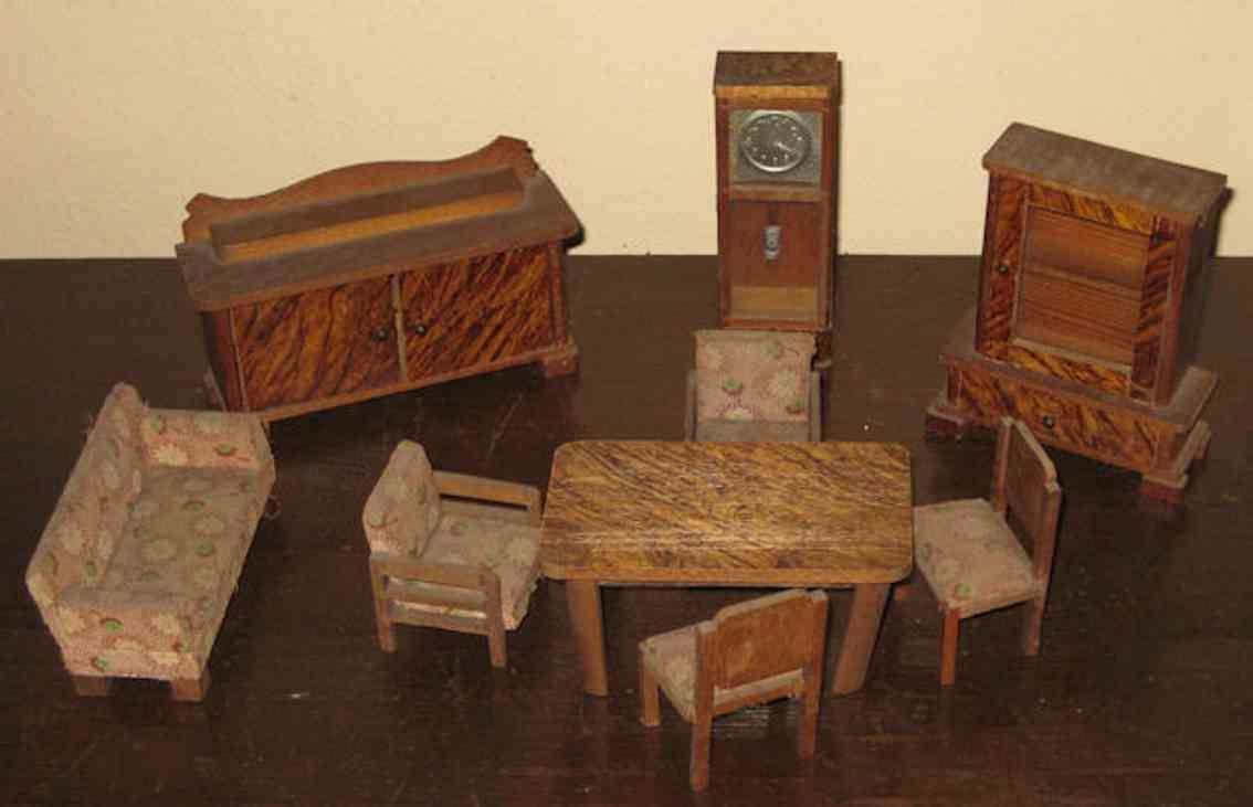gottschalk moritz puppenstubenzubehoer möbel-gruppe; bank: l= 11 cm, h-= 6 cm, uhr:  l= 13,5 cm