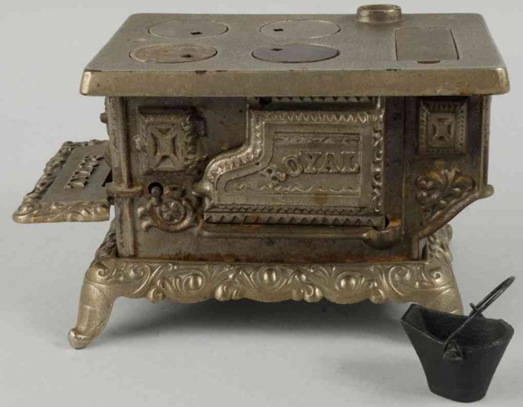 kenton hardware co royal kinderherd gusseisen