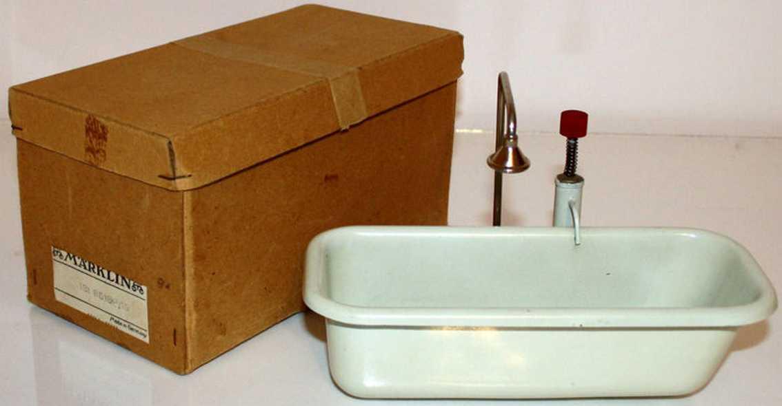 marklin 8618 P/19 bath with shower and spring piston pump