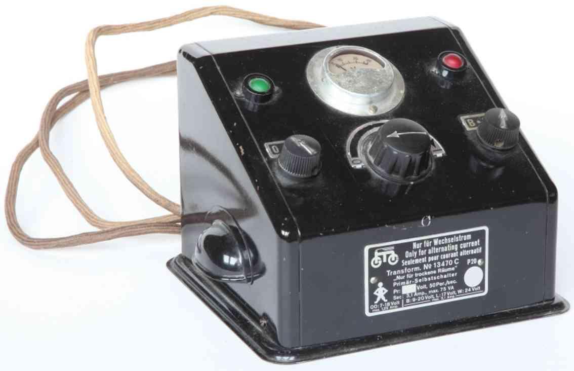 maerklin 13470 C spielzeug eisenbahn trafo trafo, schwarz, schräges pult mit voltmeter, rote und grüne