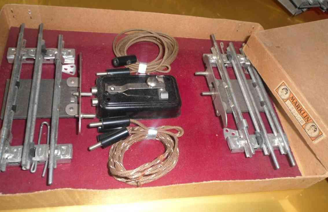 maerklin 13620 GP spielzeug eisenbahn schiene strom pfeifgarnitur mit 2 kontaktschienen 13620 p, 1 kontaktplatte