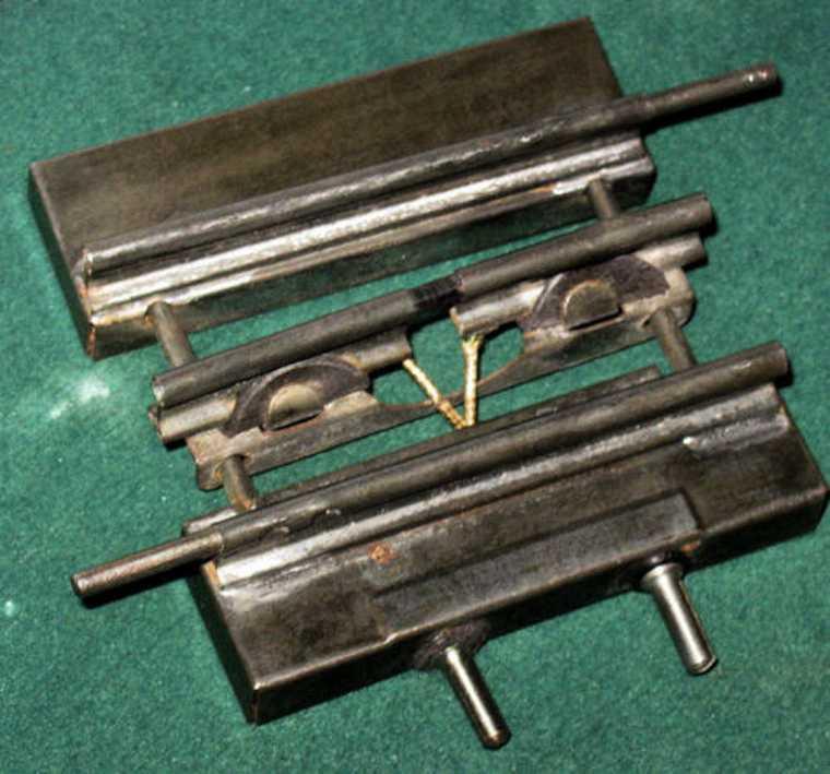 maerklin 13629 spielzeug eisenbahn schiene strom kontaktplatte mit verschiebbaren schienen zum anschluss von