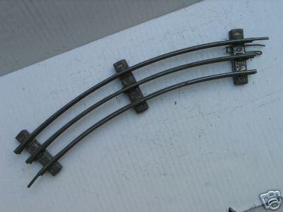 Märklin 3620 A 1/1 gebogene Schiene für den elektrischen Betrieb mit Mittelleiter