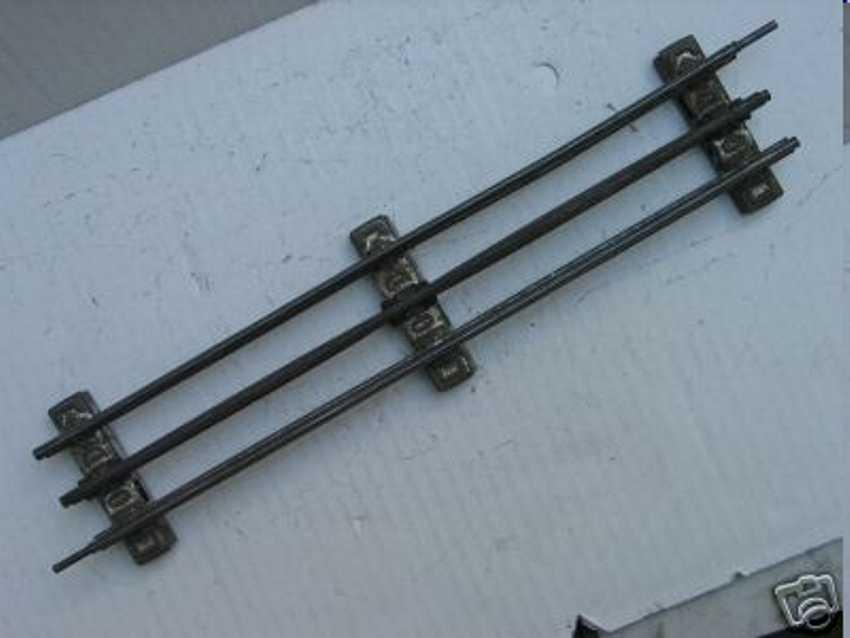 Märklin 3620 D 1/1  gerade Schiene für den elektrischen Betrieb mit Mittelleiter