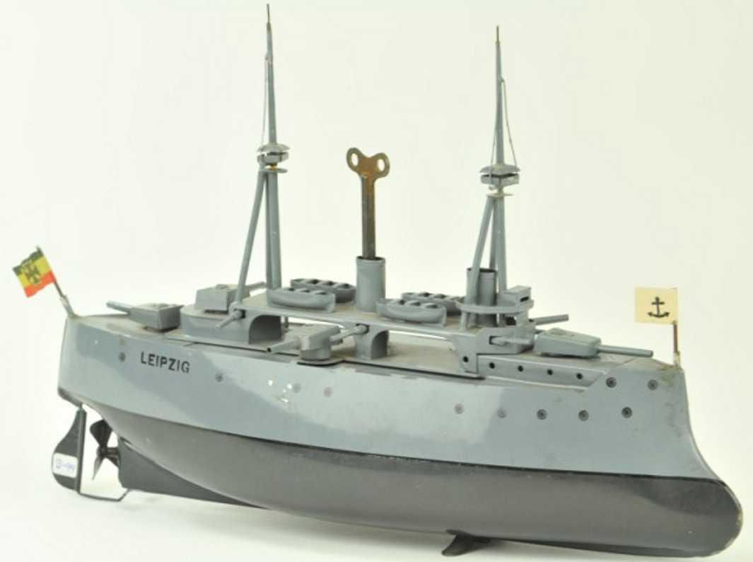 bing 155/724/2 blech spielzeug  kriegsschiff leipzig uhrwerk