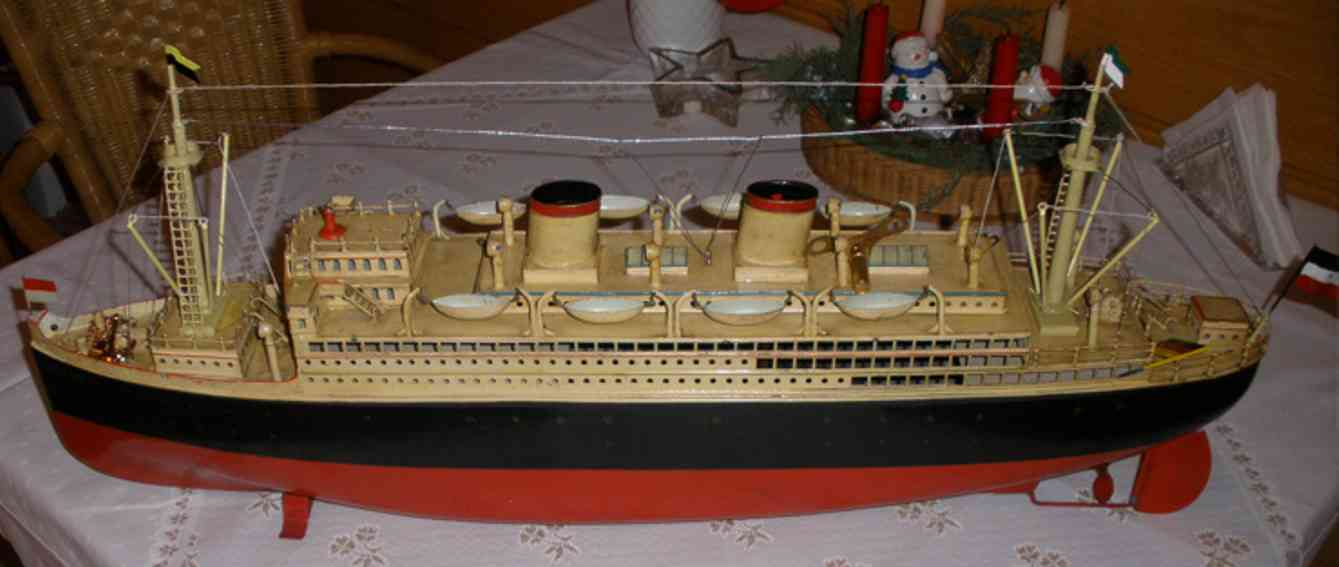 fleischmann 520/80 tin toy bremen the fastest ship of the world