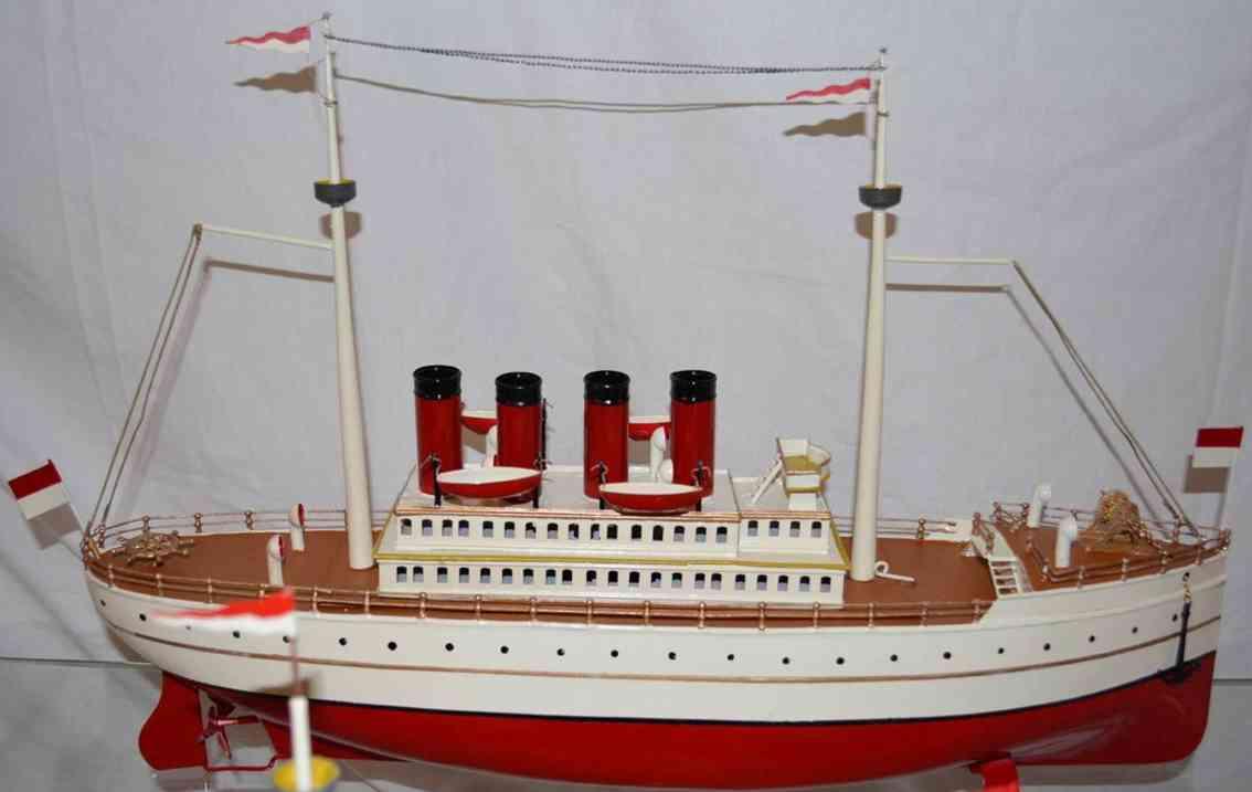 Maerklin Ocean liner deluxe with 4 stacks