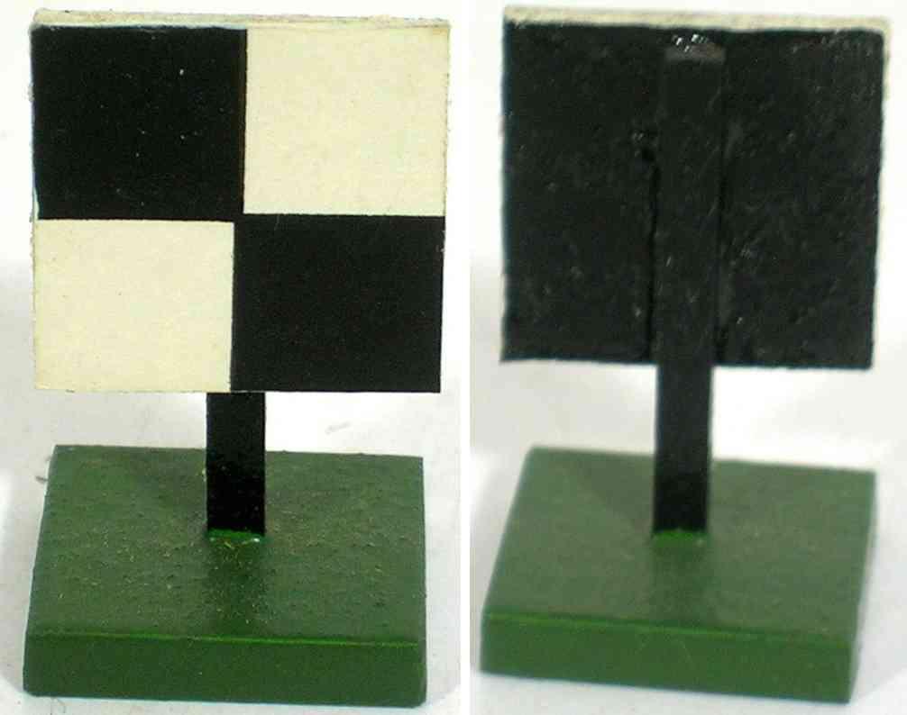 heidt klaus spielzeug eisenbahn schild holz zwei weissen  schwarz vierecke