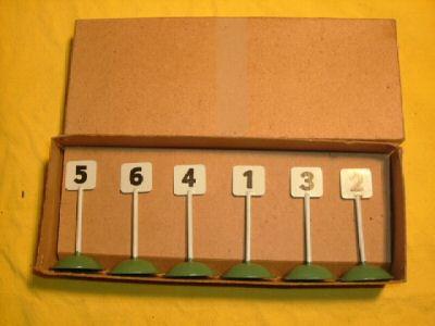 maerklin 2365 g/1 nummernschildgarnitur gruener runder sockel
