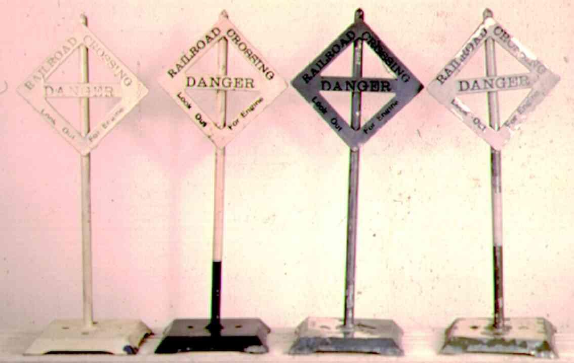 ives 111 (1930) spielzeug eisenbahn signal straßenkreuzngsschild mit quadratischem sockel, frühere vers