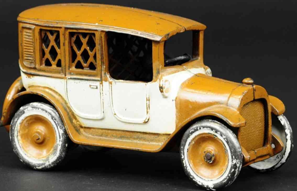 arcade spielzeug gusseisen taxi braun weiss als spardose