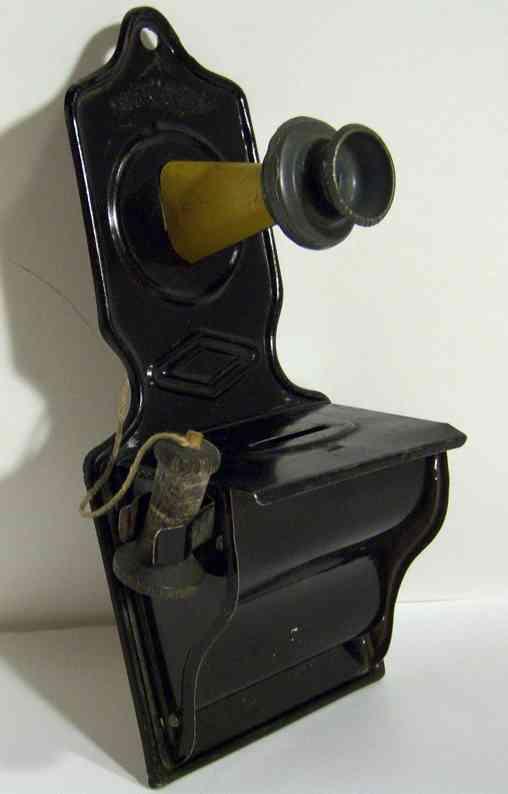 wyandotte tin toy telephone bank