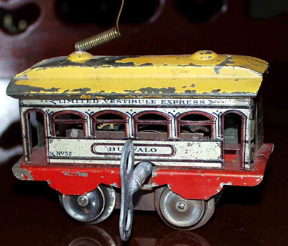 ives 801 (1909) tin toy tram this ist the first version of the clockwork trolley no. 801;